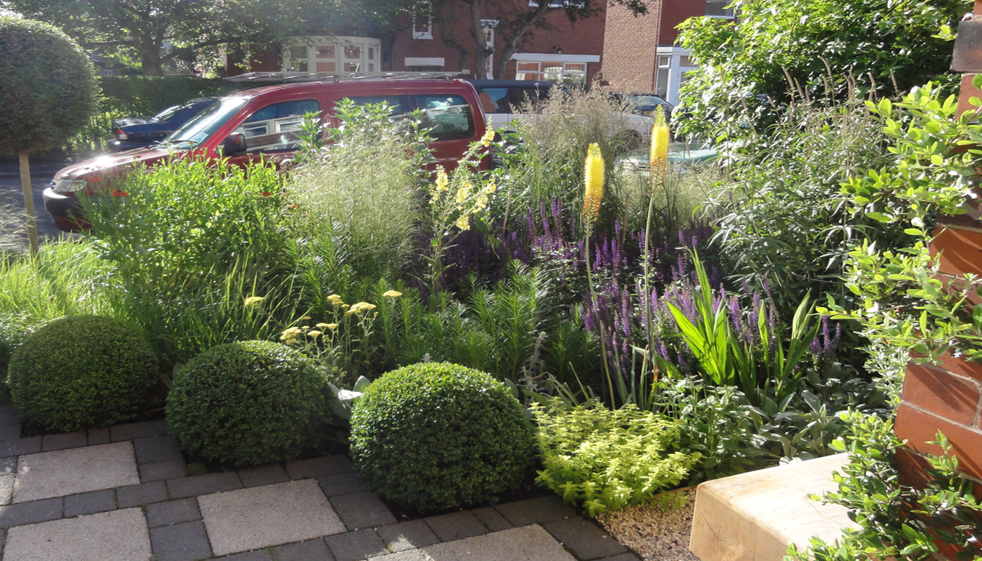2-cheshire-front-garden